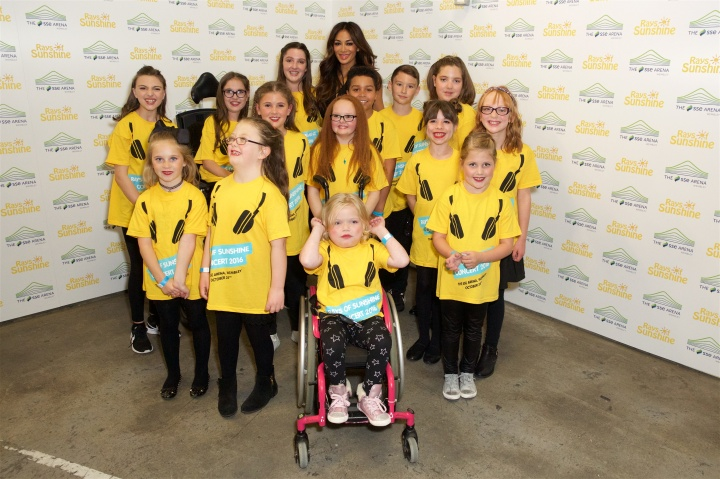 Nicole-Scherzinger-The-Rays-of-Sunshine-Wish-Choir.jpg